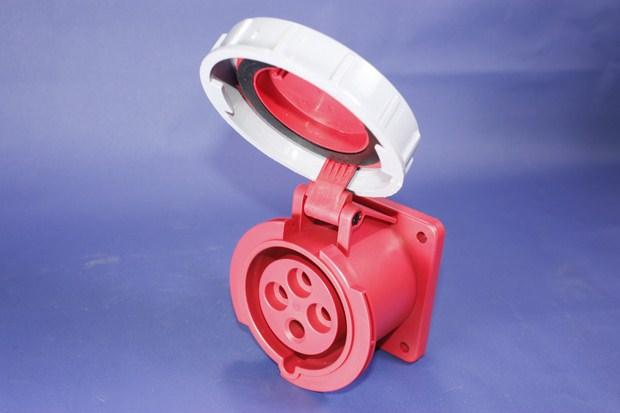 Ổ cắm công nghiệp kín nước BEK-3242