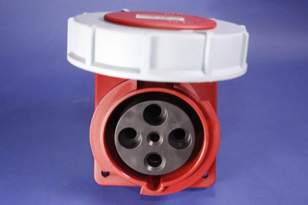 Ổ cắm công nghiệp kín nước BEK-4442